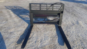 HEAVY DUTY 5000 LBS HYDRAULIC SKID STEER FORKS PALLET FORKS LOAD