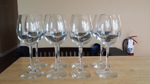 Set of Eight White Wine Glasses