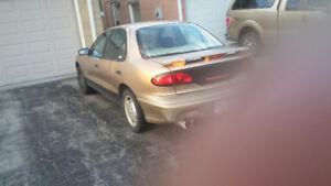 1999 Pontiac Sunfire SE Sedan
