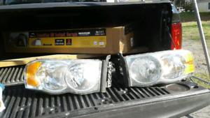 Set de lumière avant RAM  1500