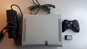 Xbox 360 Console 60GB et Manette