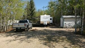 32' Keystone Zinger T/T with leased lot