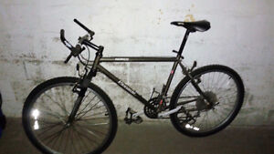 Vélo NORCO 26 '', 21 vitesses