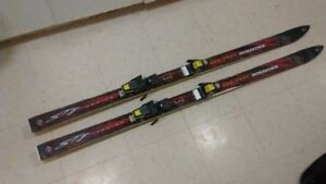 Rossignol jr0062 160 STG junior wood core skis.