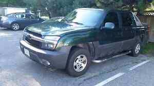 2003 chevrolet avalanche lt - Need gone buying a new vehicle!!