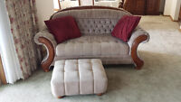 Great condition 3 piece set couch love