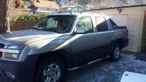 2006 Chevy Avalanche Z71 Fully Loaded