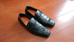 New Leather shoes 9.5 mens, Alligator