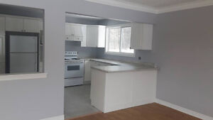 Spacious 2 bedroom, main level flat. Everything included!