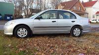 2005 Honda Civic AIR,,5 VIT,8 PNEU, 2850.00 nego ,514-242-2201