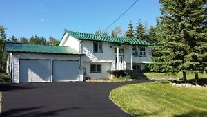 Peaceful country living on 5 acres near provincial park