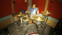 DRUMMER LOOKING FOR REHEARSAL SPACE