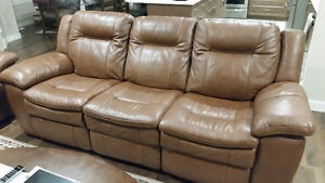 BRAND NEW CONDITION 6 SEATER LEATHER POWER RECLINERS !!!!