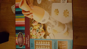 Electric Cookie Press - new