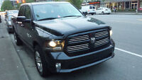2014 Ram 1500 SPORT CREW CAB Fully loaded