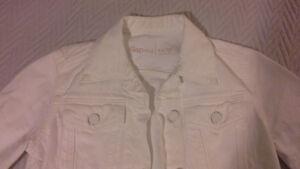 GAP white jean jacket Kitchener / Waterloo Kitchener Area image 2