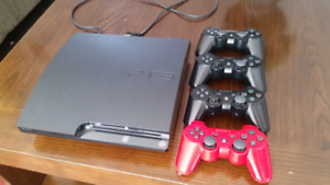 PS3 Slim 120gb + 4 controllers(controller charger included)
