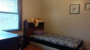Room Rent for FEMALE RESIDENTS- close to Western(all inclusive) London Ontario image 6