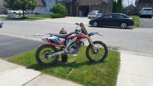 SELLING CRF250R