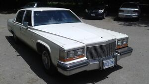 1988 CADILLAC FLEETWOOD BROUGHAM- AS IS.