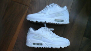 New AIR MAX NIKE RUNNING SHOES women's 5.5 (eur36) $35