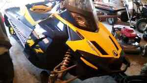 Ski Doo MXZ Renegade 1200 2009, excellente condition