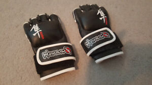 BLACK HAYABUSA IKUSA 4-OUNCE MMA GLOVES