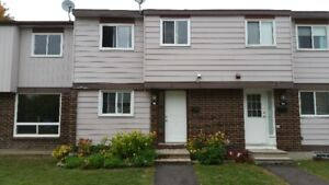 Completly Renovated 3 BD Townhouse with Finish'd Bsmt Barrhaven