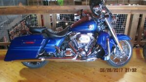 2013 Harley-Davidson FLHRSE5 - CVO Road King 110th Anniversary E