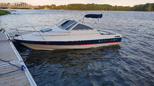 Bayliner capri cuddy