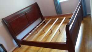 King size solid wood sleigh bed
