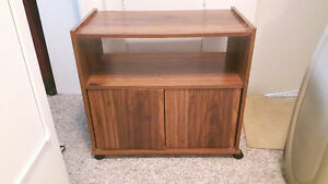TV stand on wheels guc $15 firm