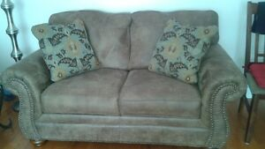 Brown sofa and love seat Cambridge Kitchener Area image 2