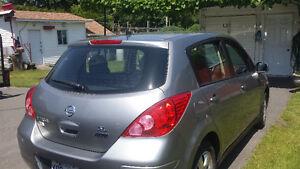2011 Nissan Versa Familiale