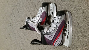 Bauer Vapor Hockey Skates. Size 10 youth.