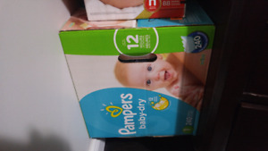 160 Pampers snug and dry diapers size 1