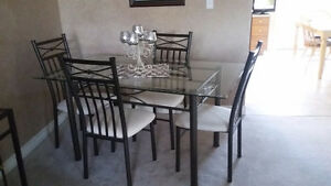 Dining set with bakers rack.