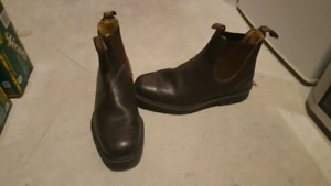 Blundstone Dress Boots In Stout Brown - USAM 8 1/2