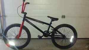 GT BMX BIKE IN SHOWROOM CONDITION.BARELY USED .$150 OBO