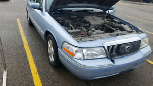 2004 grand marquis- OLD MAN MOBILE! 123 000 km 3750.00 OBO