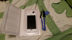 Brand new Apple IPhone 5s screen. NEVER USED