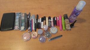 Lot complet de cosmétiques et accessoires neufs ou presque