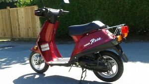 MINT! 1996 Yamaha Riva Razz Scooter, LOW kms!