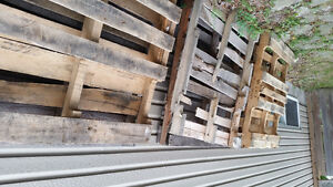 free Shipping skid / wooden pallet