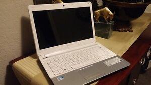 Gateway NV47H Laptop