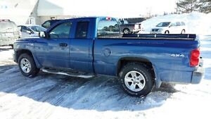 2010 Dodge Dakota V8 4 x 4 SXT Pickup Truck