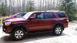 2010 Toyota 4Runner SR5 w/Tow Package and Leather Upgrade
