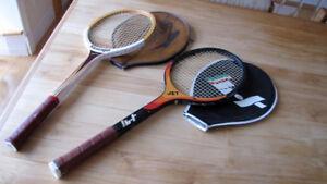 2 raquettes de tennis avec étui