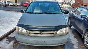1998 Toyota Sienna Se Minivan, Van