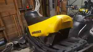 Rev chassis seat in mint condition